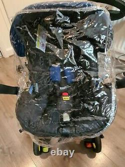 Doona Car Seat Stroller in Blue With Isofix Base, Newborn Insert and Rain Cover