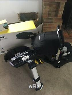 Doona Car Seat Stroller with isofix base
