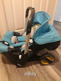 Doona Infant Car Seat / Stroller in sky blue. Very good condition