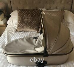Oyster 2 City Chrome 3 In 1 Travel System. Pram, Car Seat, Travel Cot